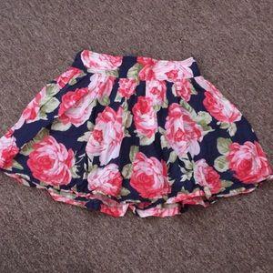❣️$10 IF BUNDLE. A&F skirt